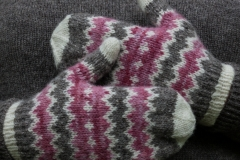 Resolis-Mittens-design-by-Emily-Williams