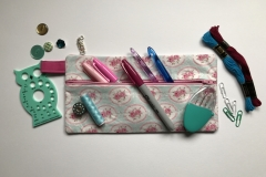 Zipper pouch demonstration